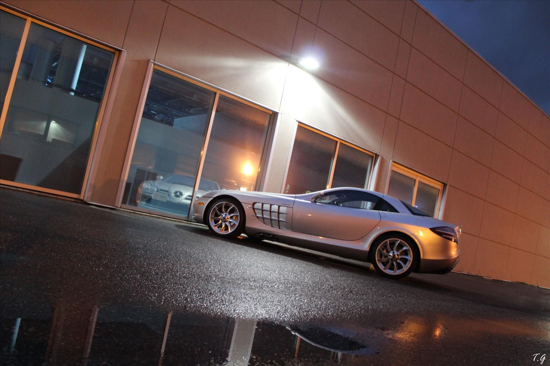 Late night SLR McLaren